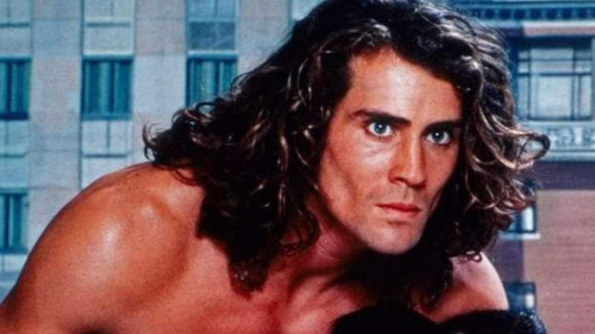 'Tarzan' actor Joe Lara, six others dead in US plane crash
