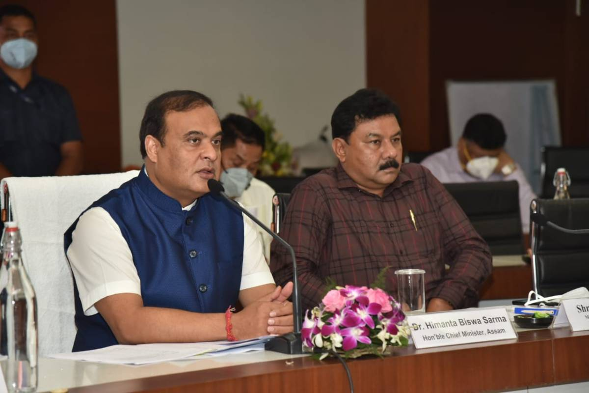 Don't slacken COVID-19 vaccination drive: Assam CM tells DCs