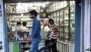 Manipur: Imphal shopkeepers told to produce COVID-negative report by June 8
