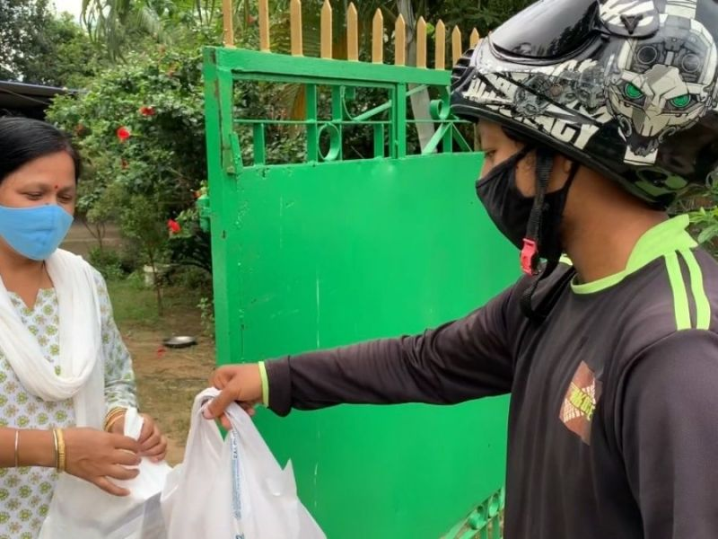 This Guwahati duo bridged the gap in local delivery with bikes