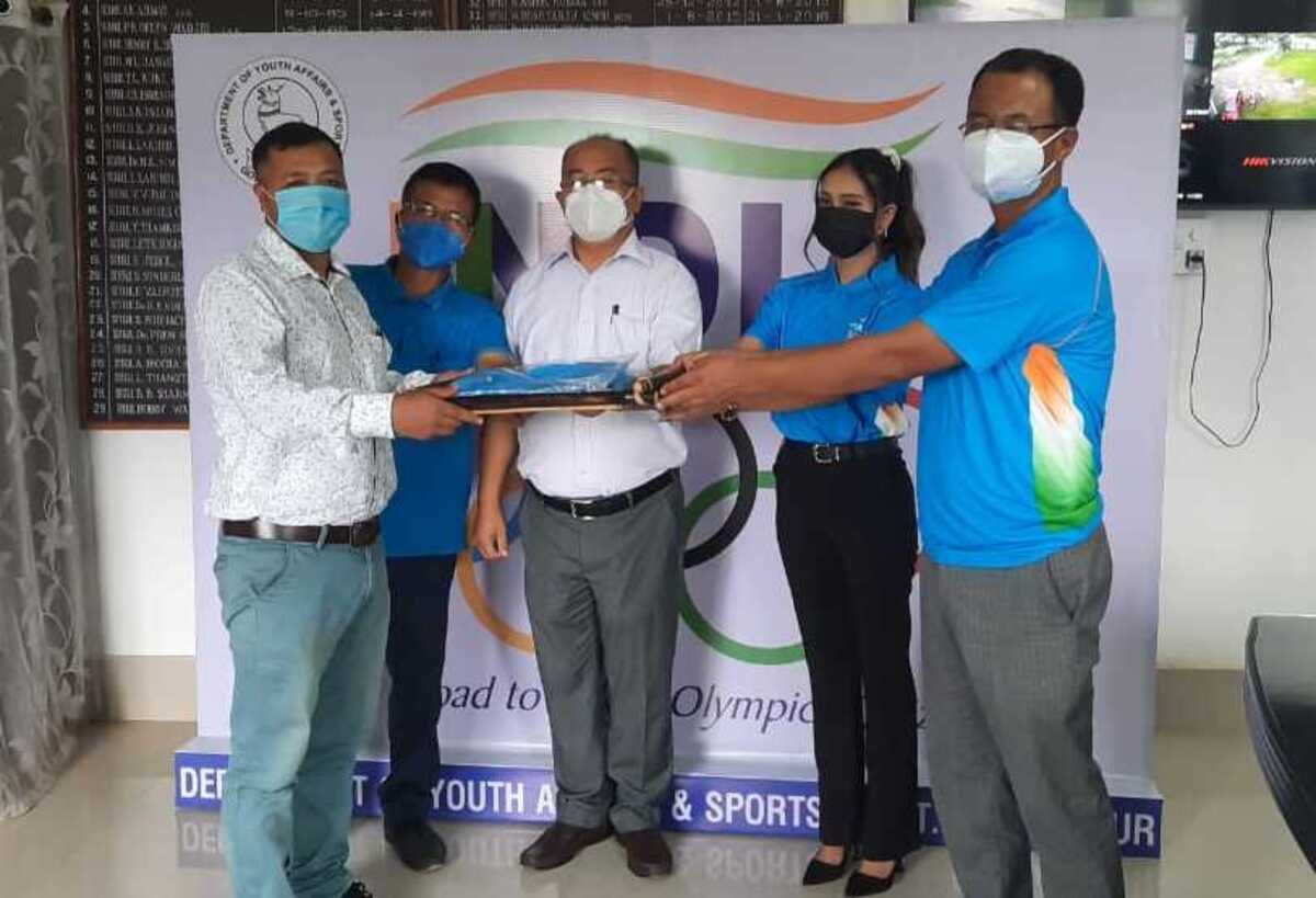 'Road to Tokyo 2020': Winners of quiz contest awarded in Manipur
