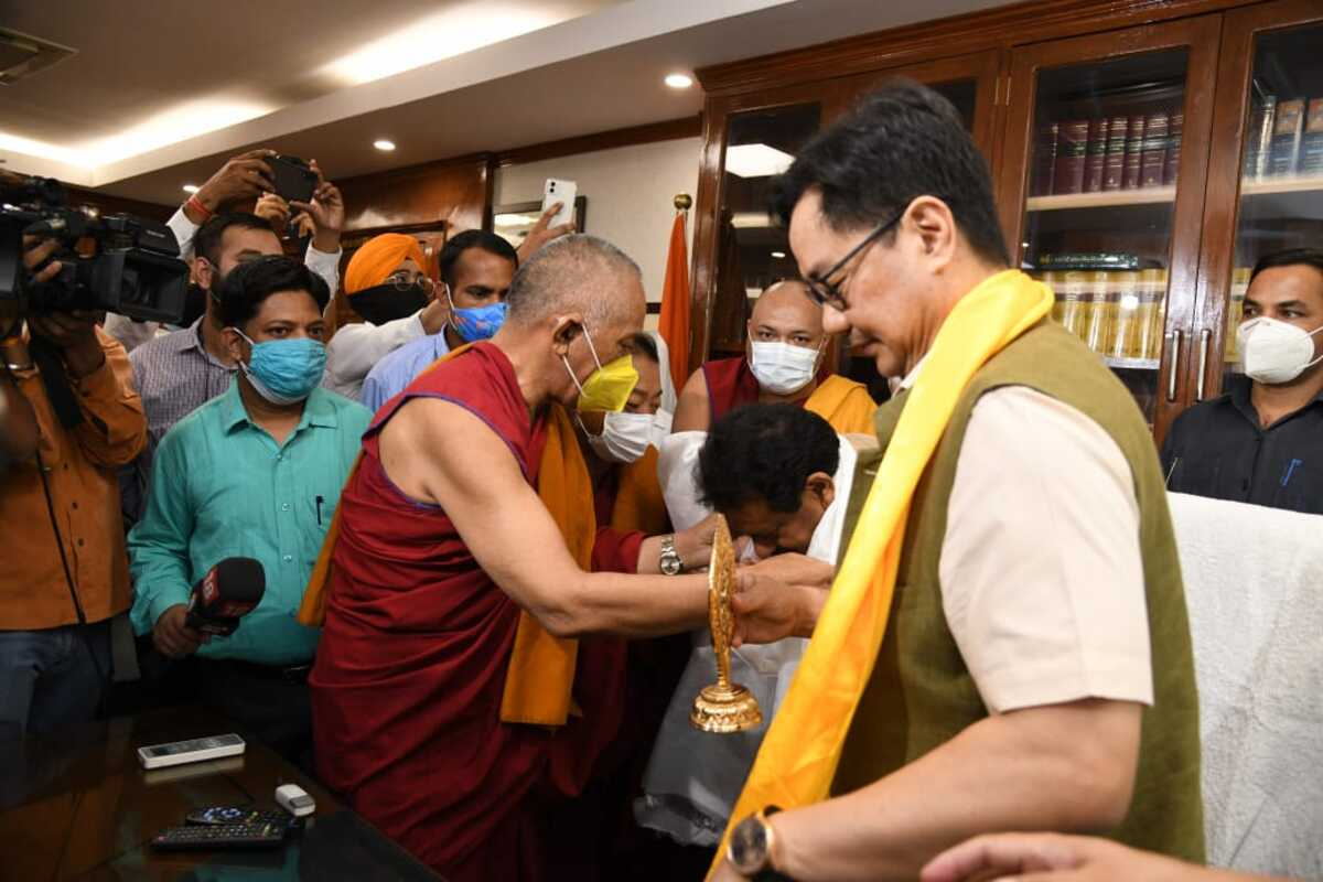 Kiren Rijiju takes charge as new minister of law and justice