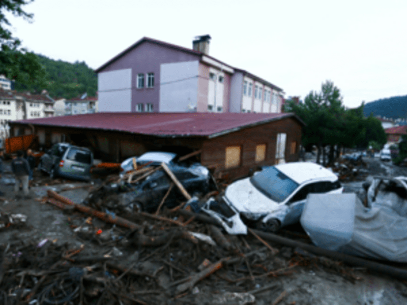 Death toll from floods in northern Turkey reaches 27