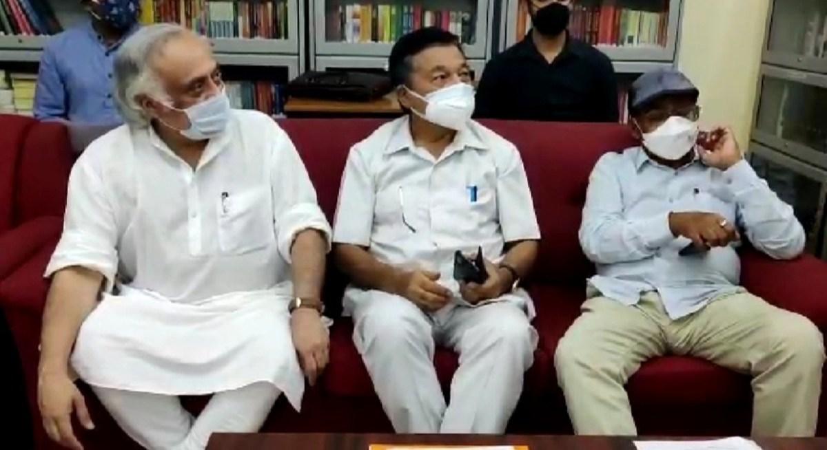 Cong sounds poll bugle in Manipur; Jairam Ramesh, Bhaktacharan Das on Imphal tour