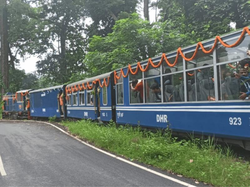 Toy train on NJP-Darjeeling route back after 17-month gap