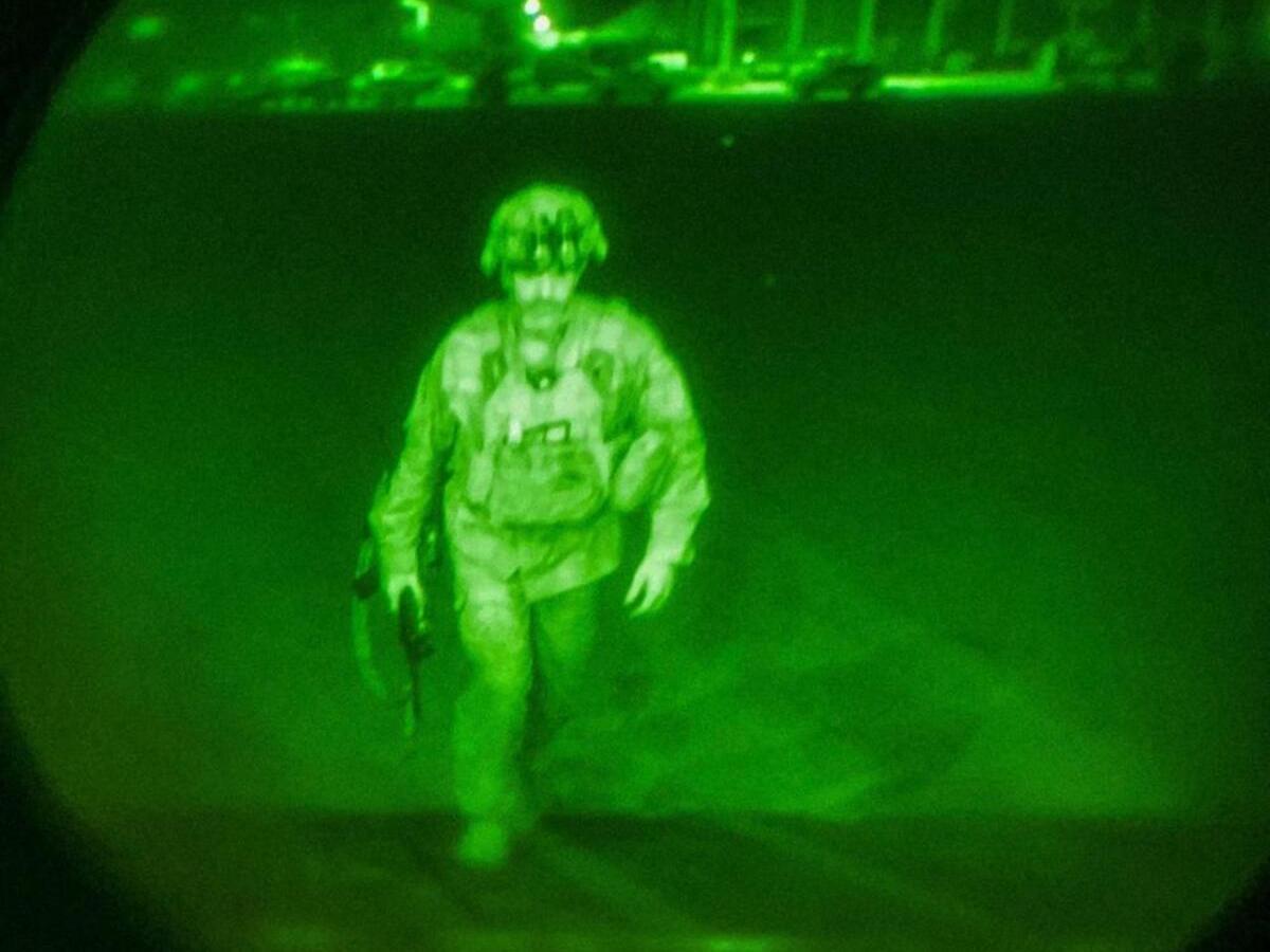 It looked apocalyptic: Crew describes Afghan departure