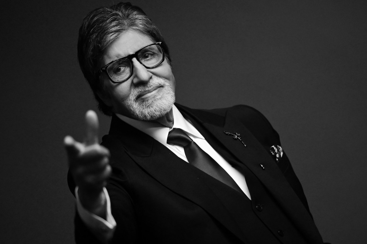 Amitabh Bachchan's cop bodyguard transferred amid reports of 'Rs 1.5 crore income'