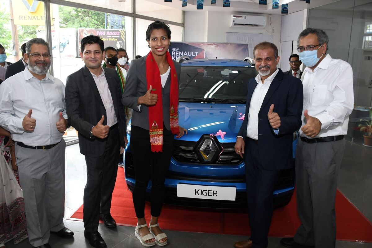 Assam's Olympic medalist Lovlina gifted new car in Guwahati