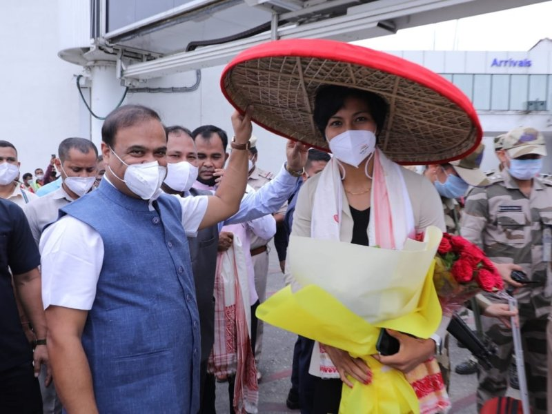 Olympic star Lovlina Borgohain arrives in Assam to warm welcome