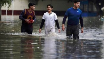 16 die as floods swamp public hospital in central Mexico