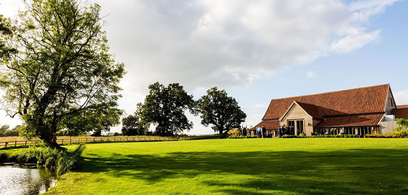 Wedding rural setting. Alternative Essex wedding venue - Easton Grange luxury barn wedding venue