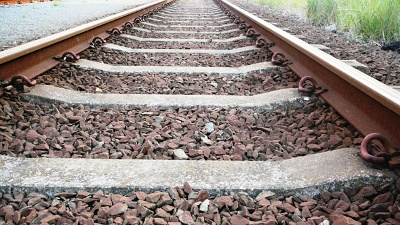 Train--railroad-tracks-generic-jpg_20161116140126-159532