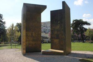 Tirana spomenik nezavisnosti