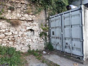 Prizren - parking kod Bogoslovije, nekadašnja crkva