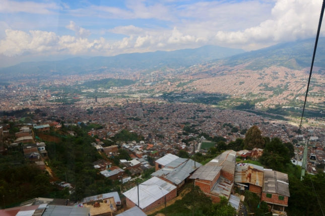 metrocable traveling to medellin