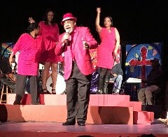 """Review: Christmas favorites, talented performers highlight """"A Merry, Merry McCree Christmas"""""""