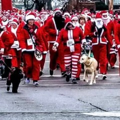 "Holiday season kicks off with ""red wave"" Santa Run downtown"