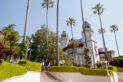 A visit to San Simeon requires an advance reservation. A number of tours are available