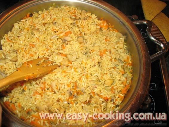 Коричневий нешліфований рис з грибами