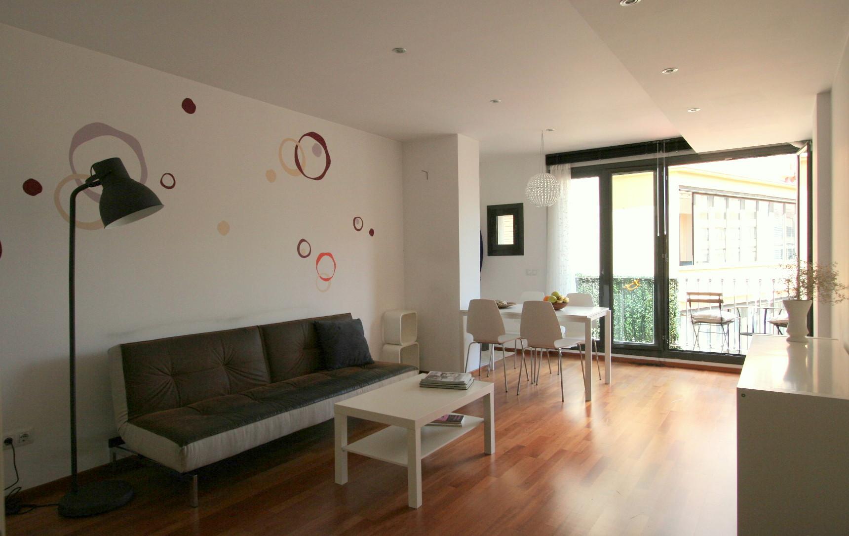EasyApartmentRental  Charming 2 bedroom apartment near Plaza Catalunya