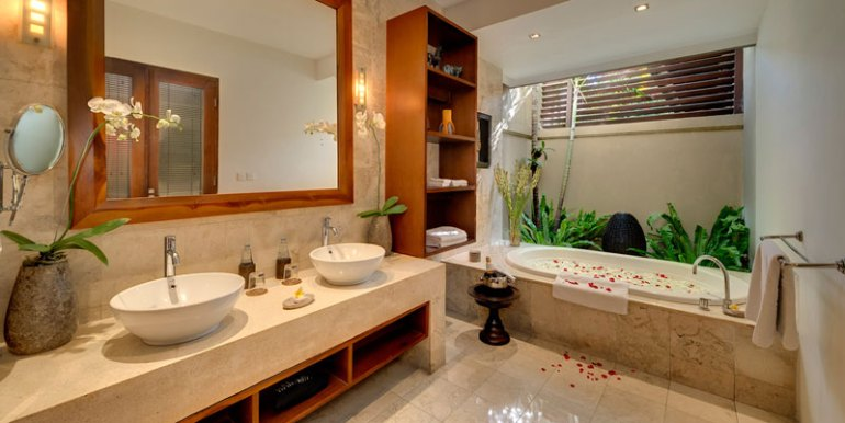 LAK-Ensuite-bathroom