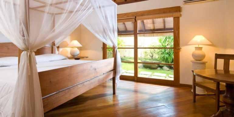Bali-Bali-One-–-Master-bedroom