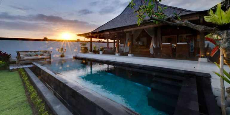 Copy of MA-Bridal-suite-at-sunset