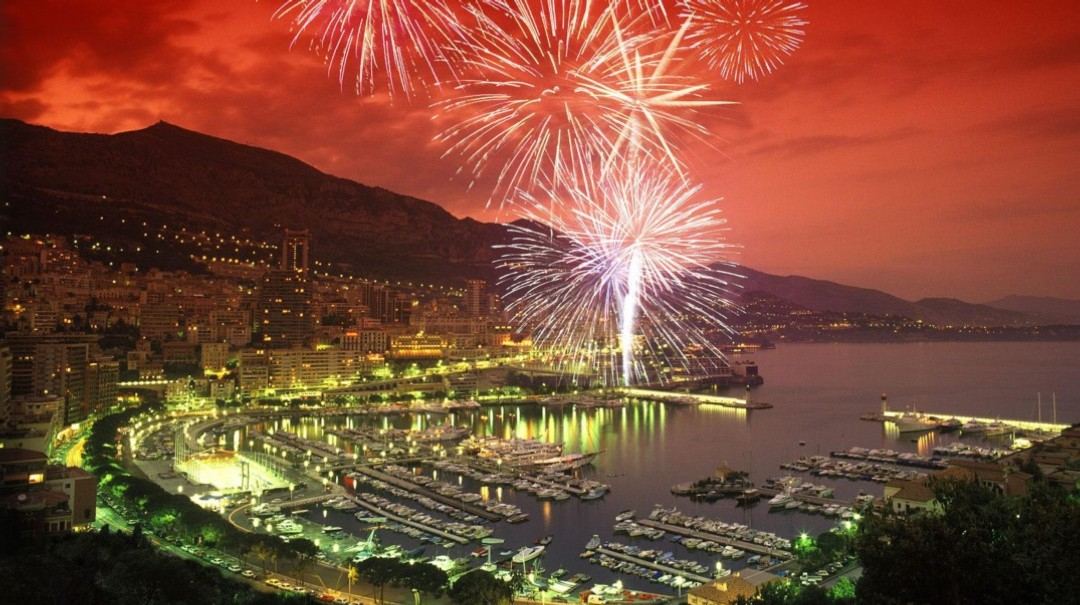 Monaco Coucher De Soleil En Bateau Feux Dartifices Monaco Festival Pyrotechnique Cannes