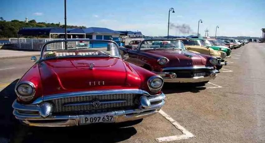 american cars taxi. autos americanos como taxi. classici auto americani