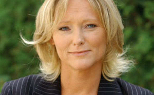 Antoinette Hertsenberg Boeken Of Inhuren Easybookings