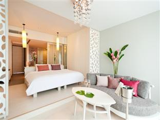 The Sands Pool Eingang Junior Suite