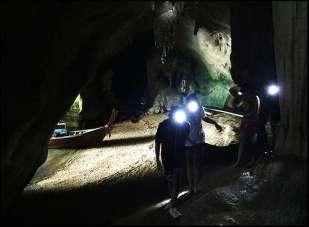 Phang Nga Bay Caves & Sea Canoe - Tham Kaew Drive-In Cave