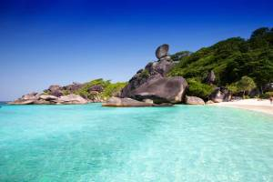 Phuket Tours tfor Snorkeling Similan Islands - Donald Duck Rock
