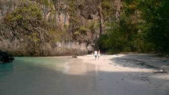 MY Anurak - Secluded Beach