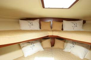 Reel Hooker Bunk Cabin - Phuket Boat Charters