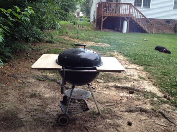 Easy DIY Weber Grill Table