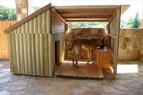 DIY Pallet wood Dog house