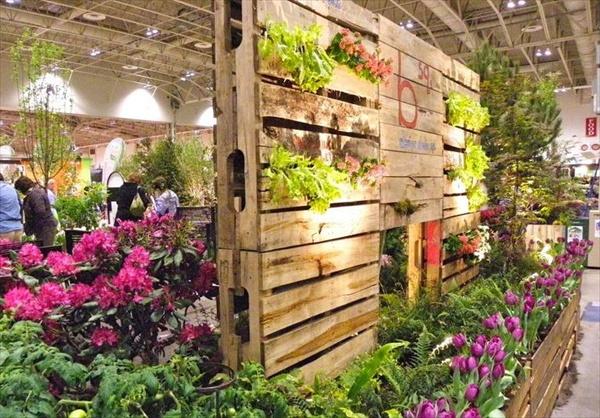Innovative DIY Pallet Vertical Garden Ideas