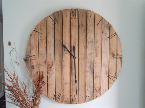 How to make pallet wall clock