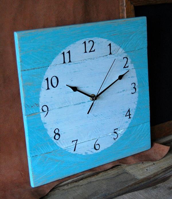 Pallet Clock for Room