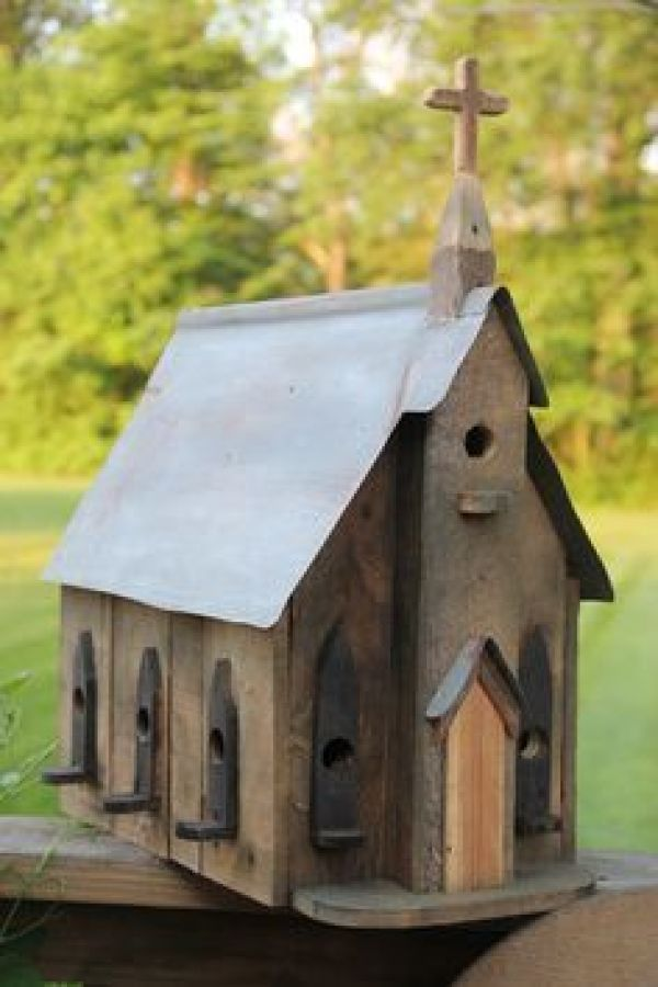 Innovative Pallet birdhouse