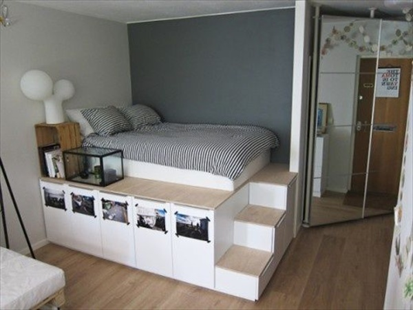 Easy Wooden bed with storage drawers