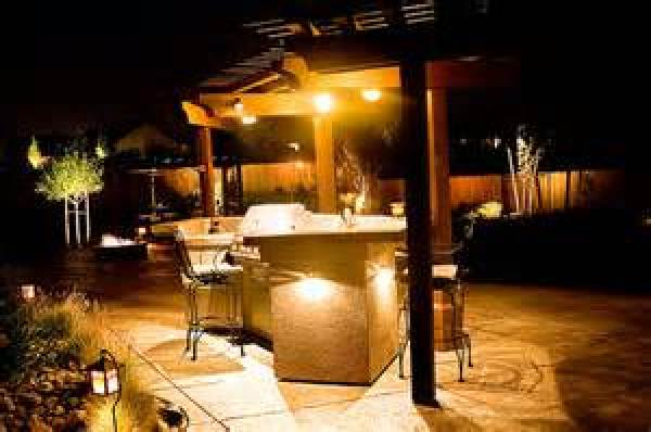 outdoor lighting arrangement