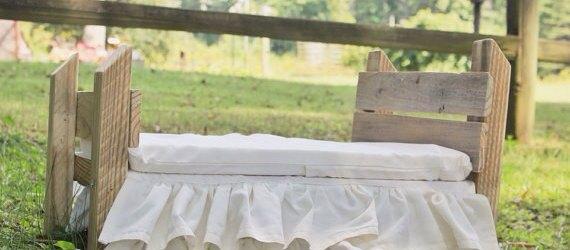 DIY Reclaimed Pallet Bed For Kids