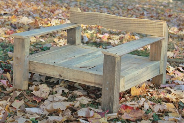 build your pallet furniture