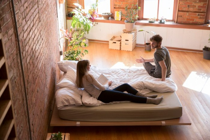 Easy moveable bedframe