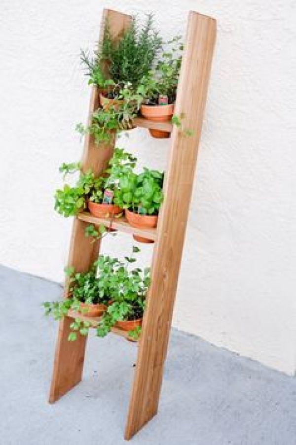 DIY pallet planters box