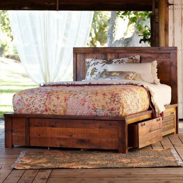 recycling old wooden pallets