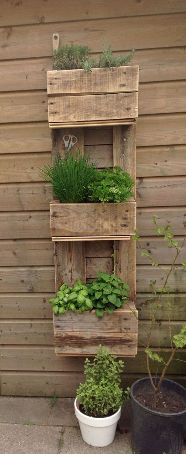 DIY pallet recycling