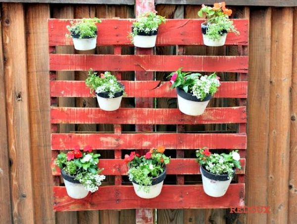 DIY Wall Pallet Planters